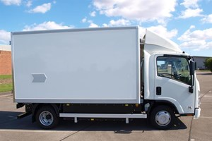 Electric vehicles news for delivery fleets2.jpg