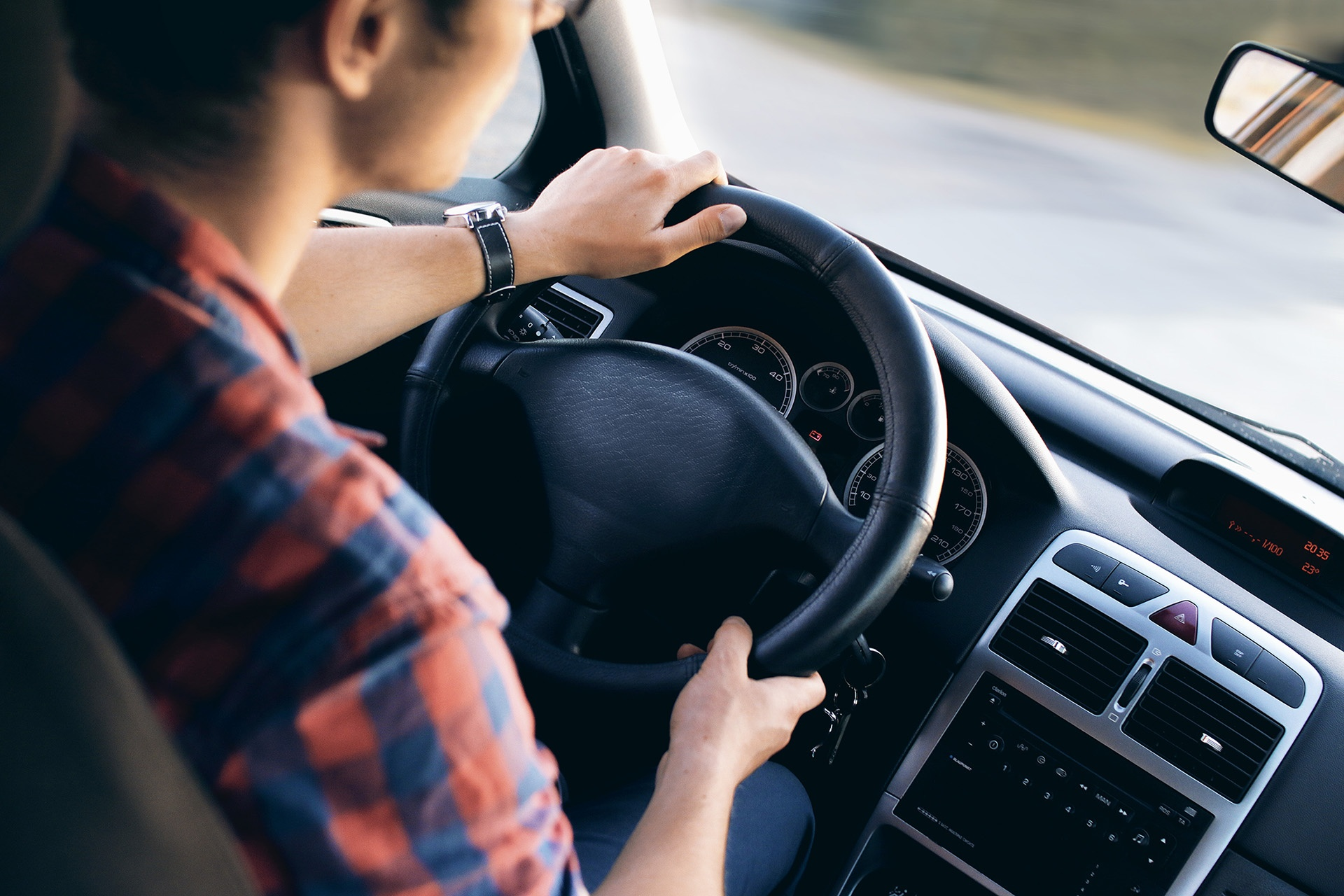 How to help drivers having a smooth transition to paperless vehicle checks.jpg