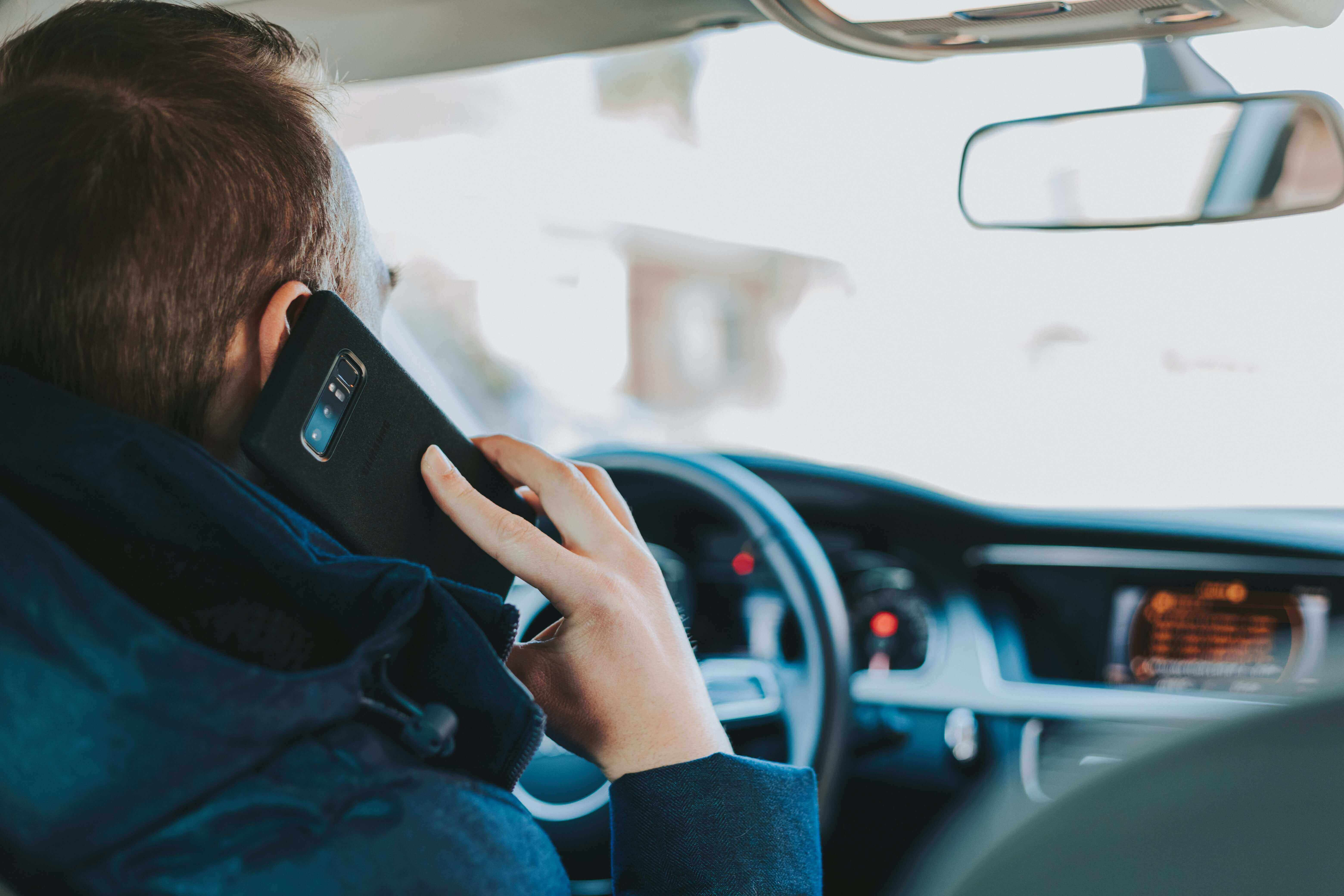 Stricter laws on mobile phone use behind the wheel coming in 2021