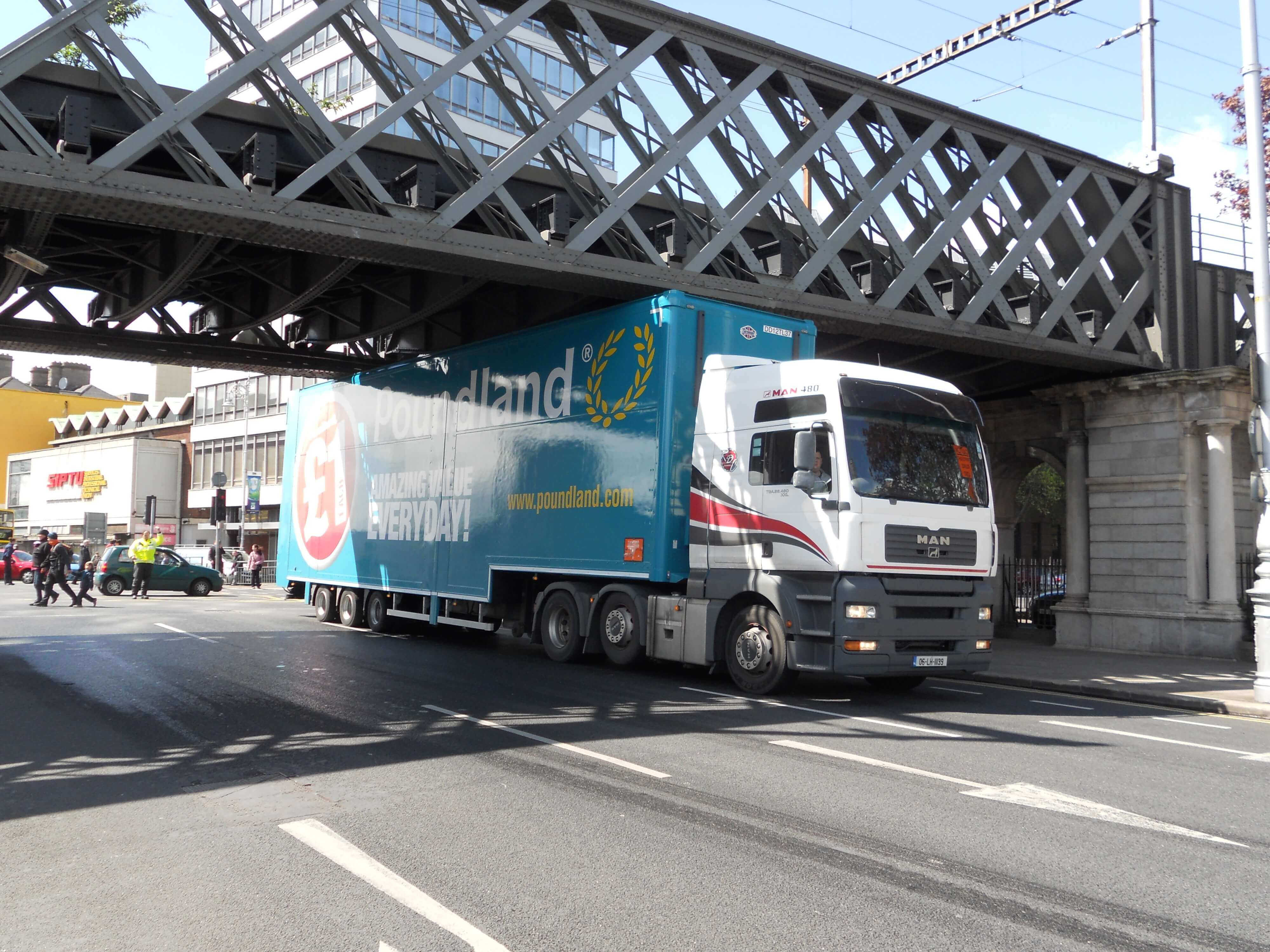 driving_Safety_topics_prevention_of_bridge_strikes.jpg