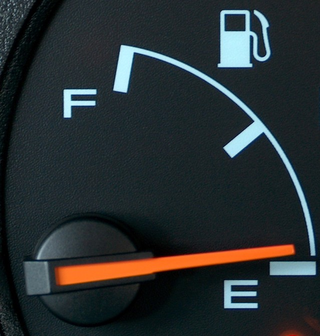 how to save fuel while driving